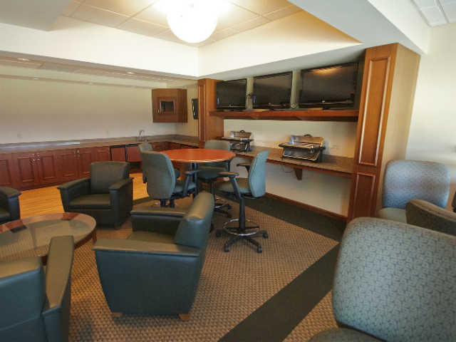 Green Bay Packers Suites